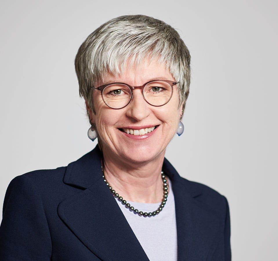 EL-NET GROUP. Eva-Maria Schauer. Expertin für Bedarfsanalyse bei Neuausrichtung und Stakeholder Management