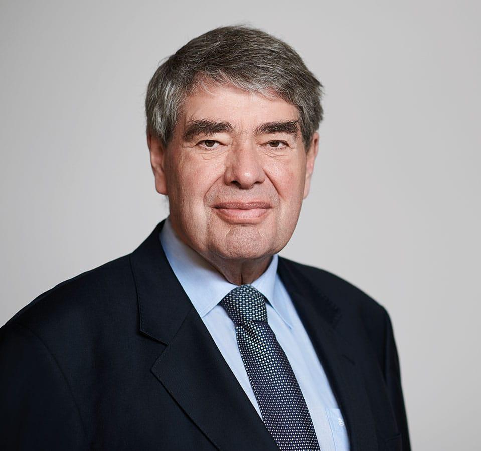 EL-NET GROUP. Dr. jur. utr. Helmut Jacobs. Experte für Personalbeschaffung und Versicherung