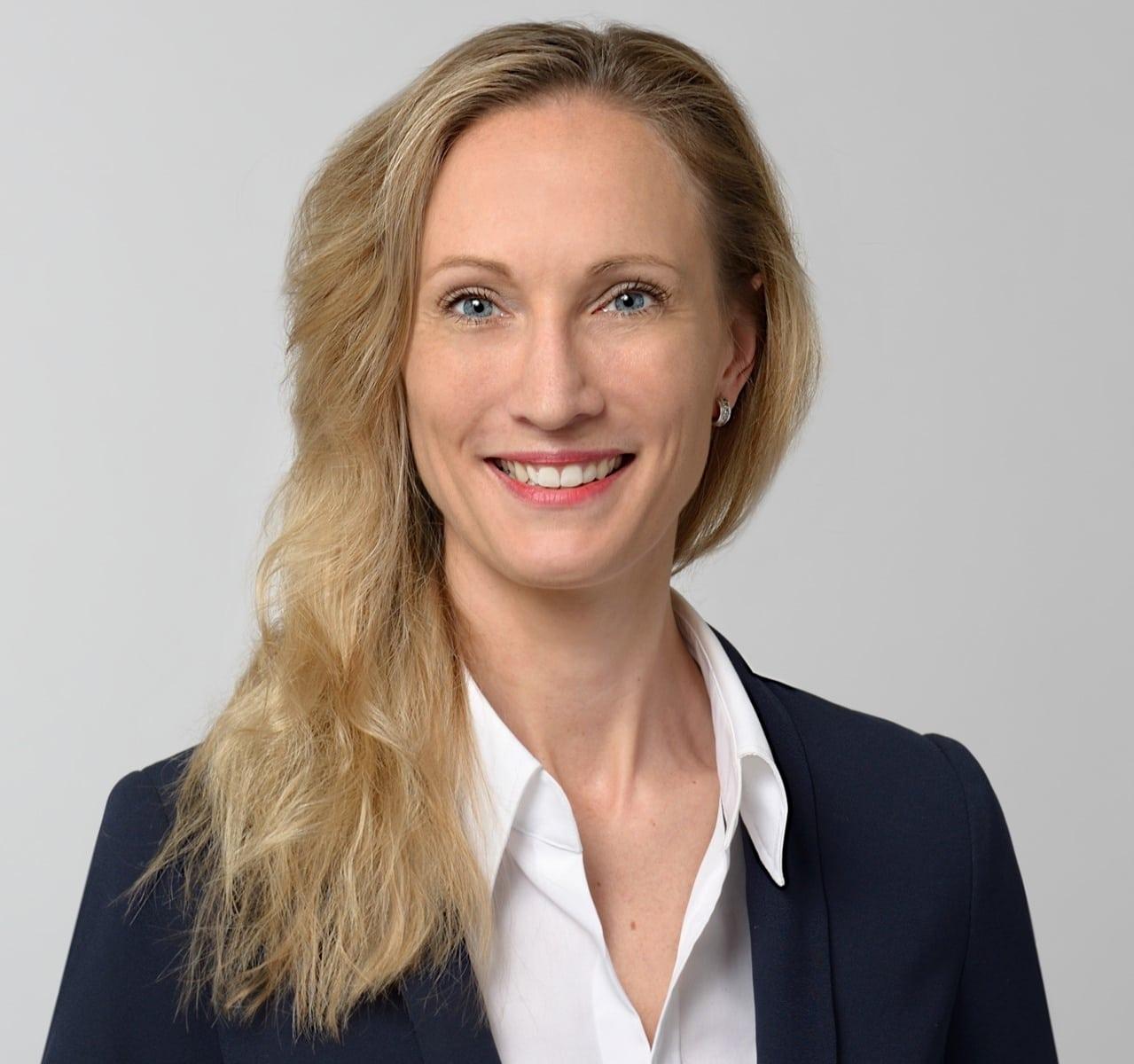 EL-NET GROUP. Katharina Wingerath. Expertin für Personalbeschaffung und Executive Search
