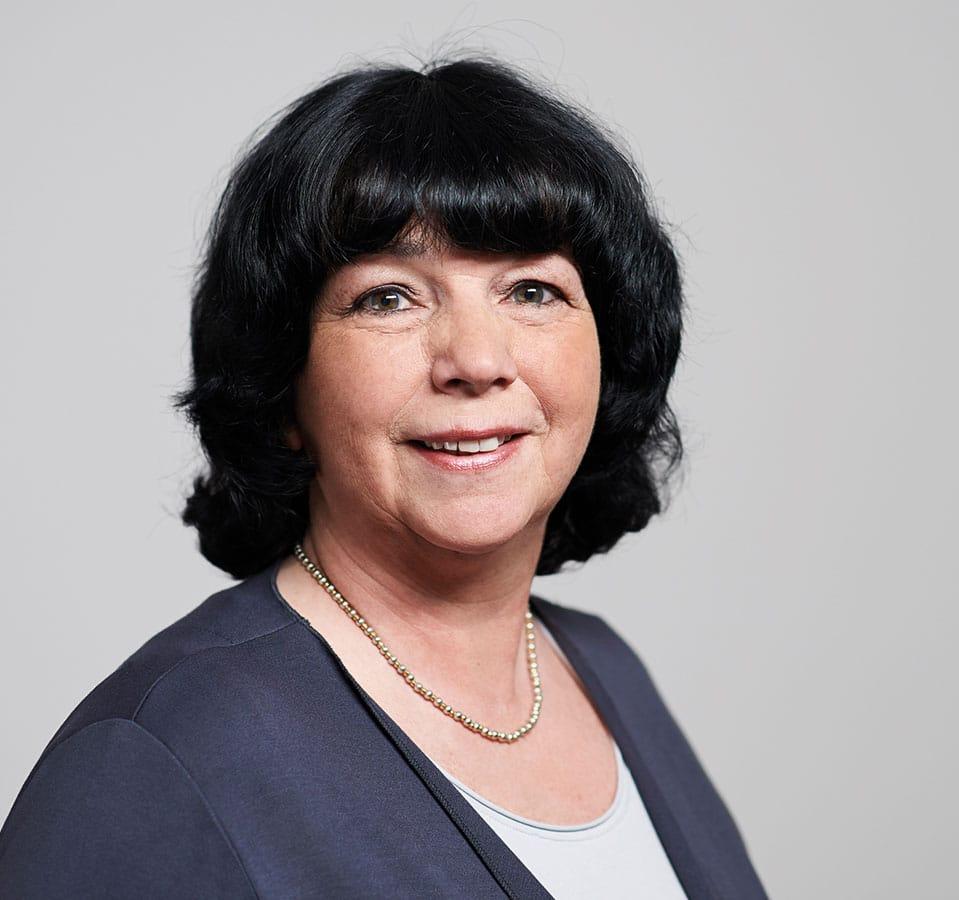 EL-NET GROUP. Martina Seiz. Expertin für berufliche Neuorientierung und Fach- und Führungskräfte